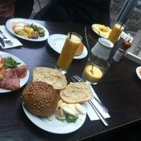 Das Foto wurde bei Café Sehnsucht von martin p. am 10/7/2012 aufgenommen