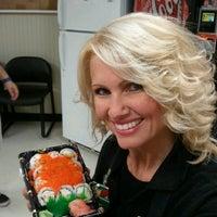 Foto tirada no(a) Lowes Foods por Lisa W. em 10/23/2012