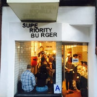 Foto scattata a Superiority Burger da Lollope H. il 8/14/2015