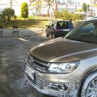 Photo taken at Ümit Oto Yıkama by Mehmet Ali Ö. on 1/16/2016