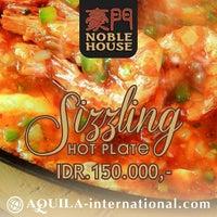 Photo taken at Noble House Chinese Restaurant & Suki by Bambang Adi Waluyo B. on 4/2/2014