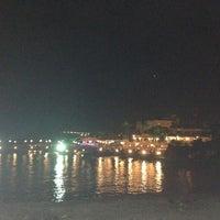 Photo prise au Ambiance Restaurant par Sevi K. le9/25/2012