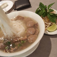 Photo taken at Pho 675 by Cheese on 7/27/2017