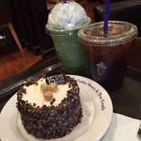 Photo taken at The Coffee Bean & Tea Leaf by Chan K. on 8/21/2016