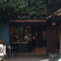 Foto tirada no(a) Cafe do Ponto por Tiago B. em 3/9/2013