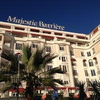 Foto tomada en Majestic Barrière Cannes por Tiffany D. el 12/6/2012