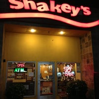 Photo taken at Shakey's Pizza Parlor by Dennis S. on 11/18/2012