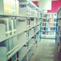 Photo taken at Perpustakaan Institut Teknologi Telkom by Ardian N. on 11/21/2012