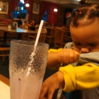 Photo taken at Pizza Hut by ToRo C. on 10/19/2013