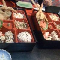 Foto tomada en Kaori Sushi Bar por Regina L. el 8/30/2012