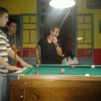 Foto tirada no(a) Pirata Snooker Bar por Mateus M. em 9/16/2012
