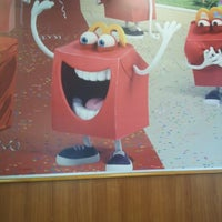Снимок сделан в McDonald's пользователем Tatyana U. 10/30/2012