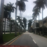 Photo taken at Palm Beach Island by Mabel V. on 9/3/2017