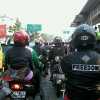 Photo taken at Jalan Mampang Prapatan Raya by Fahrul Silvian D. on 8/28/2013