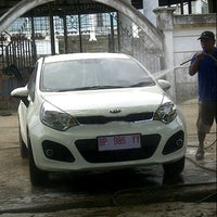 Photo taken at Jaya Car Wash by defi T. on 10/14/2012