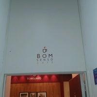 Foto tirada no(a) Bom Senso Café por Junior G. em 7/26/2013