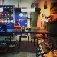Foto scattata a Raw Materials - The home store da Shaun L. il 1/23/2014