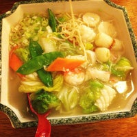 Photo taken at Tokyou Noodle Bar by Jiahao Z. on 9/12/2014