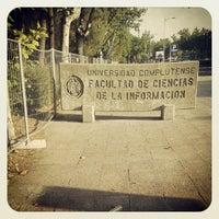 Foto tomada en Facultad de Ciencias de la Información (UCM) por Luis A. el 9/6/2013