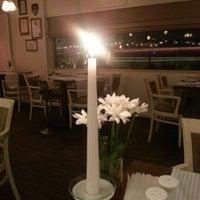 12/3/2012 tarihinde Nilgun S.ziyaretçi tarafından Cucina Makkarna'de çekilen fotoğraf