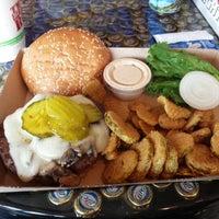 Das Foto wurde bei Twisted Root Burger Co. von Chef J.Mitch am 5/26/2014 aufgenommen