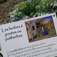 Photo taken at Jardin médiéval d'Erve et Charnie by Toto on 4/21/2013
