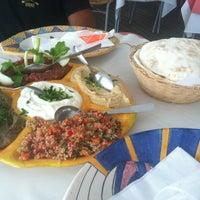 Foto tirada no(a) Restaurante Arab por Fernanda K. em 3/3/2013