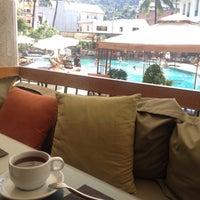 Photo taken at Sawaddi Patong Resort   Patong Beach Hotel by Nilay on 1/8/2016