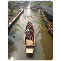 Photo taken at Klong Lat Mayom Floating Market by AY T. on 1/5/2013