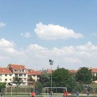 Photo taken at Abdurrahman Temel Futbol Sahası by Muhammed Servan B. on 7/22/2017