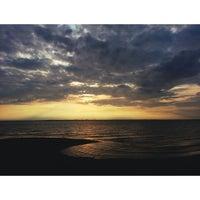 Foto tomada en Ягринский пляж por Marianne M. el 7/15/2013