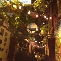 รูปภาพถ่ายที่ The Mutton Lane Inn โดย Sean K. เมื่อ 3/28/2013