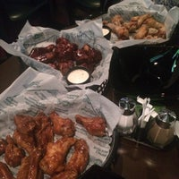Photo prise au Buffalo's - Wings and Nuggets par Jane H. le9/5/2015