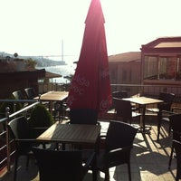 Photo taken at Teras Çengelköy Cafe & Restaurant by Engin O. on 9/30/2012