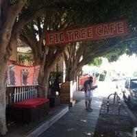 รูปภาพถ่ายที่ Fig Tree Cafe โดย Suzanne B. เมื่อ 9/22/2013