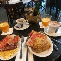 8/18/2017 tarihinde Suzanne B.ziyaretçi tarafından Café Centric'de çekilen fotoğraf