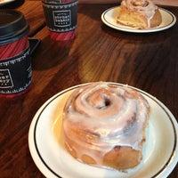 Photo prise au Corner Bakery Cafe par Elena D. le11/24/2012