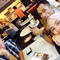 Photo taken at OldTown White Coffee by Liyana. R. on 8/20/2015
