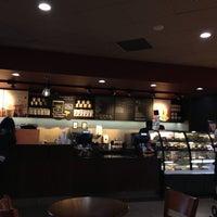 Photo taken at Starbucks by Fernando R. on 6/19/2013