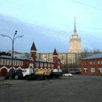 Foto tirada no(a) Бадаевский пивоваренный завод por Andris em 10/21/2012