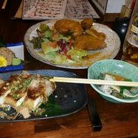 Photo taken at 新潟の地酒とうまいもの処 かもくら by Kento S. on 8/10/2016