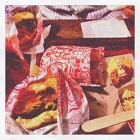 Photo prise au East Side Burgers par Gregory le9/17/2013