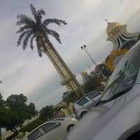 Photo taken at State Mosque (Masjid Negeri) by Syazwan J. on 10/2/2012