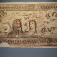 10/22/2012 tarihinde Sadık C.ziyaretçi tarafından Zeugma Mozaik Müzesi'de çekilen fotoğraf