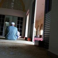 Photo taken at Masjid al-Khalifah by Ris Y. on 9/13/2013