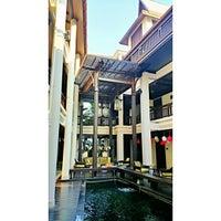 Photo taken at โรงแรมเฮือนนานา by Sucheera S. on 1/3/2015