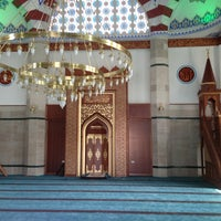 Photo taken at Ehlibeyt Camii by Hakan T. on 7/27/2013
