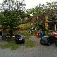 Photo taken at Pousada Vila Da Praia by Eduardo S. on 10/27/2012