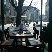 Das Foto wurde bei Café MIDI von Basilis P. am 4/1/2013 aufgenommen