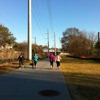 3/12/2013 tarihinde Alyssa J.ziyaretçi tarafından Atlanta BeltLine Corridor under Virginia Ave'de çekilen fotoğraf